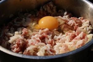 рецепт ёжиков из фарша и риса в сметанном соусе