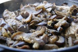Как приготовить рагу из баклажанов с мясом